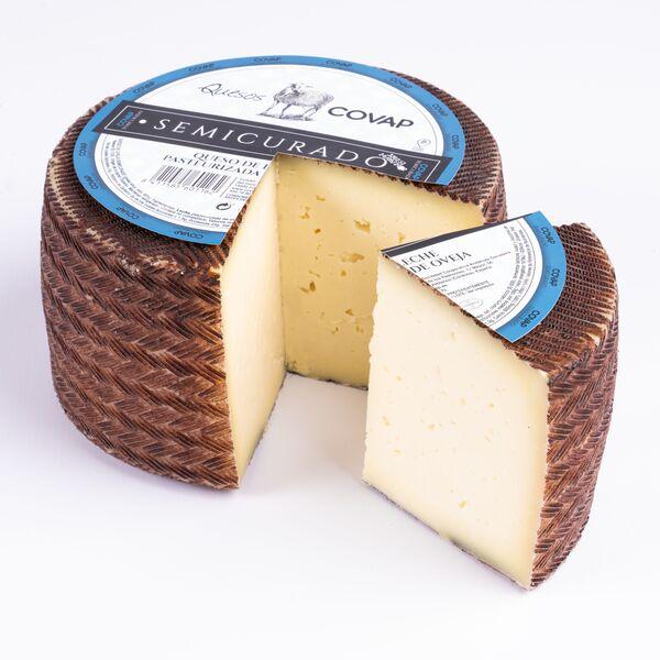 queso-oveja-leche-pasteurizada-semicurado-entero-covap-con-etiqueta